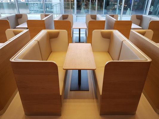 Stylishe Sitzgruppen für etwas mehr Ruhe.