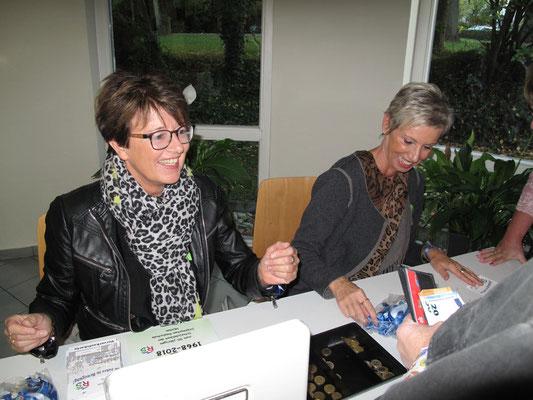 Kassiererinnen Petra Kapsch und Ulrike Knispel