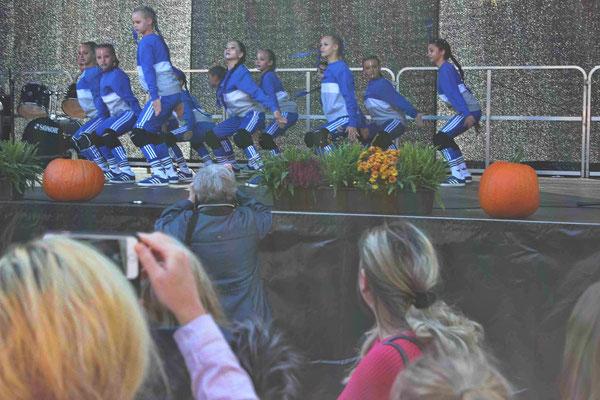 """""""Urban Street Dance"""" der Weltmeisterinnen"""