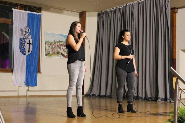 Solosängerinnen Jana Wetzel und Jutta Semer