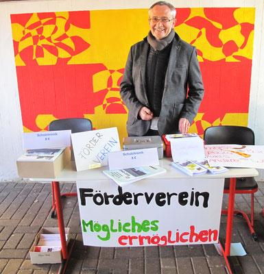 Der Vorsitzende des Fördervereins, Peter Hoscheidt
