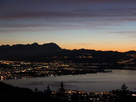Abendlicher Blick auf den Bodensee