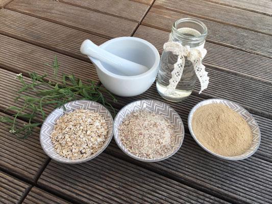 Zutaten: Haferflocken, Mandeln, Heilerde und Wasser