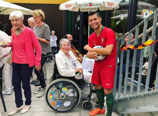 Saki Cristiano Ronaldo Lookalike - ASB Wohnen und Pflegen