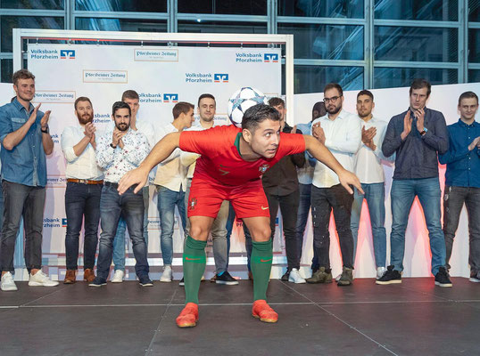 Volksbank Haus - Fussball Freestyler