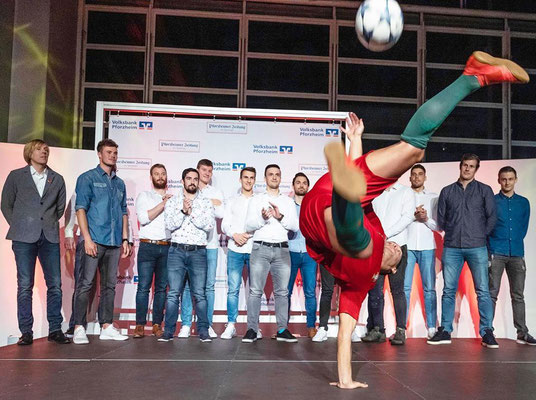 PZ News - Pforzeimer Zeitung Sportlerehrung Freestyle Fußball