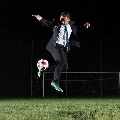 Fotomodel Fußball Freestyler Saki