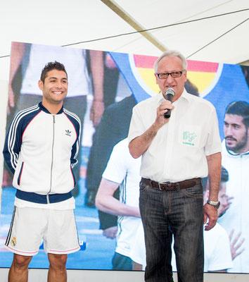 Firmenfeier mit einem Fussball Freestyler und Ronaldo Double