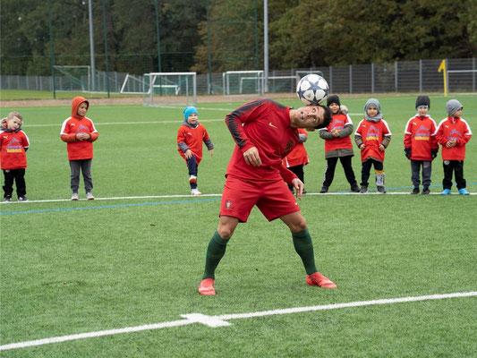 Fussballartist Saki