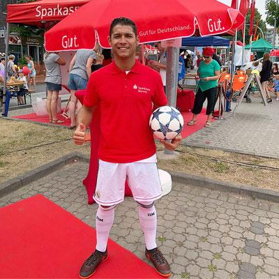 Saki Fußball Künstler für die Sparkasse Barnim