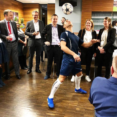 Broadridge Firmenevent Fussball Show