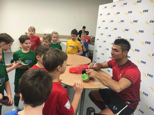 Fußball Freestyler bei Workshops mit Unternehmen
