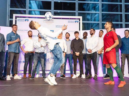 Fussball Künstler Showact