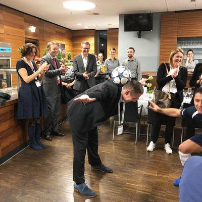 Broadridge Fussball Showact Saki Firmenveranstaltung