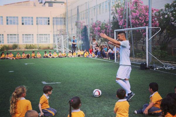 Fussball Künstler Saki