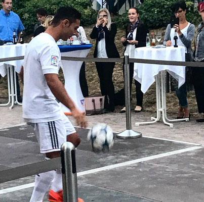 VR Bank Fussball Künstler Saki