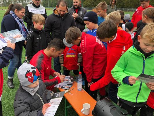 Soccer Academy - Autogrammkarten
