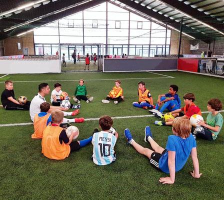 Kindergeburtstag Fussball - Fussball Freestyler
