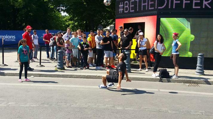 Fussball Freestyler für Roadshows und Straßenshows