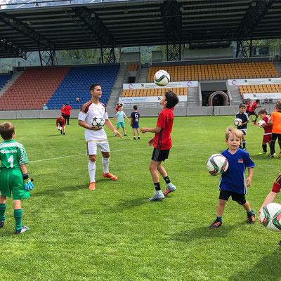 Saki Fussball Künstler - FC Vaduz Training