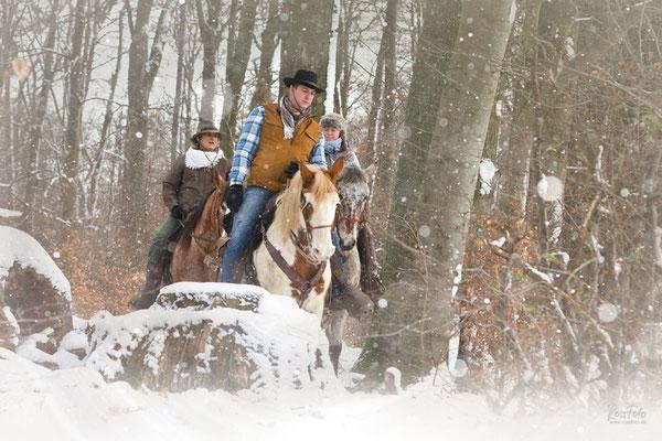 Fischerhof Wanderreiten, RossFoto Dana Krimmling, Winterspaß im Westerwald, Wanderreiten im Schnee