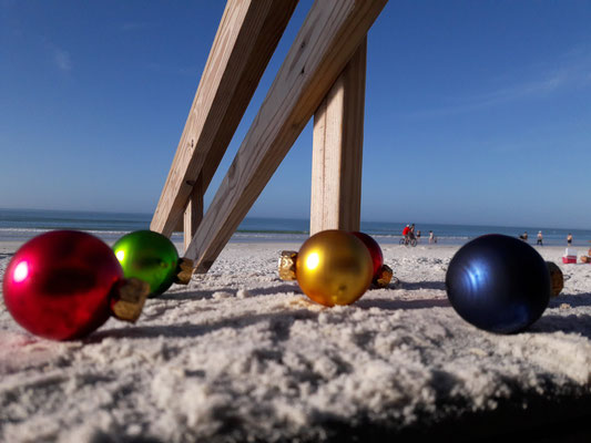 Merry Christmas on Siesta Beach