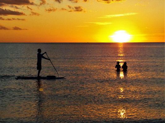 Sunset on Crescent Beach - enjoy paddleboarding