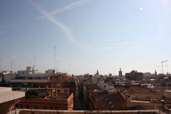 La ciudad de Valencia desde  parte más alta  de las Torres de Quart en Valencia (Comunidad Valenciana).