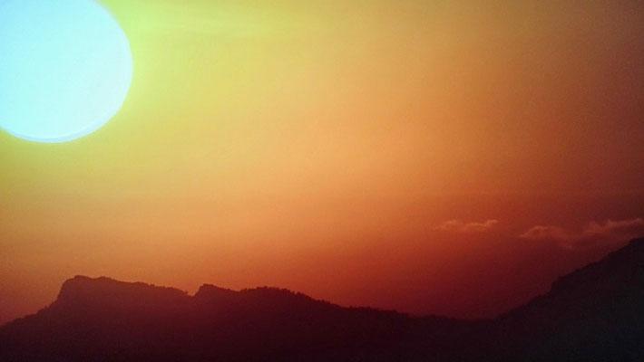 Maravillosa puesta de sol en el Penyagolosa (castellón)  Comunidad Valenciana.