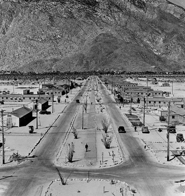 Palm Springs, McCallum Way as it appeared during the 1940s.