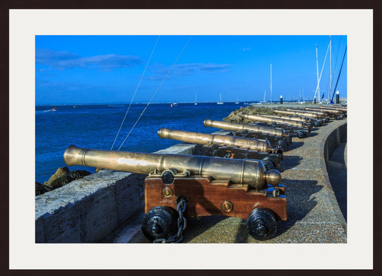 Starting canon at Royal Yacht Squadron, Cowes, Isle of Wight