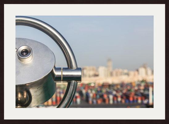 Binoculars, Muscat