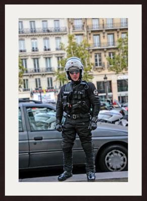 Policier à Paris