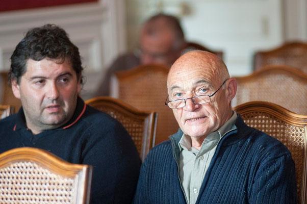 (à droite) Hubert MANICHON Maire de Quirbajou  (à gauche) Frédéric GORDO conseillé municipal à Rennes le Chateau