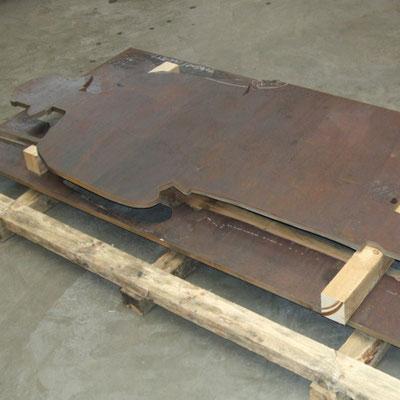 Konturschnitt aus einer 20mm dicken Corten - Stahlplatte