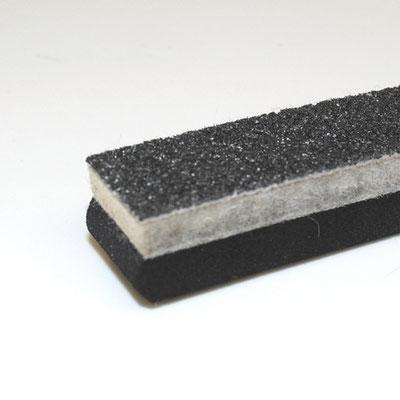 Alleskönner Wasserstrahl - Verbund Graphit-Filz-Moosgummi als Dichtungsmaterial wird mit einem Schnitt gefertigt
