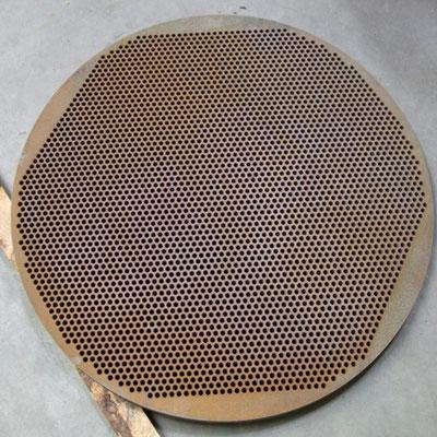 Lochplatte mittels Wasserstrahlschnitt komplett geschnitten