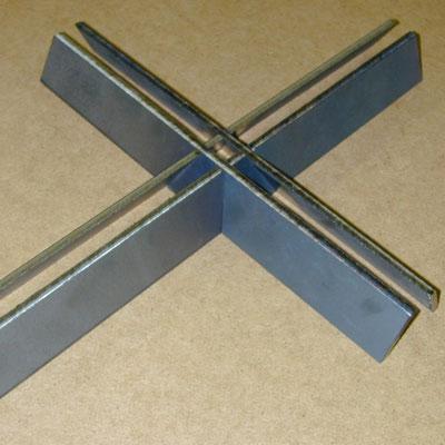Stahlkreuz mit 3D-Laserschnitt