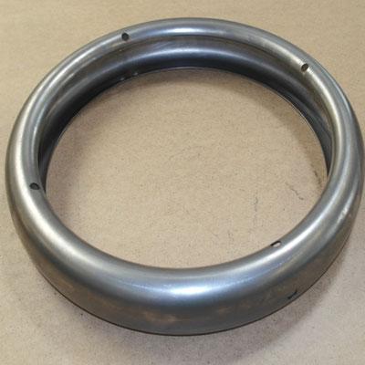 Bohrungen in ein ringförmigkleines Bauteil komplett gelasertes Bauteil mittels 3D-Laser