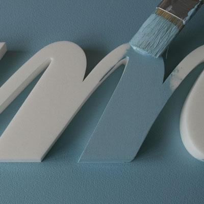 neuster Trend, Sprüche - Zitate - Texte - Botschaften als Wandtatoo in schwarz oder weiß, sowie in Wandfarbe gestrichen