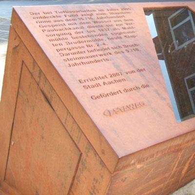Text aus Cortenstahl mit Wasserstrahl geschnitten