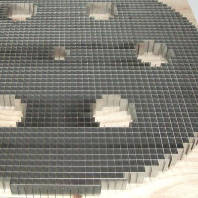 Sonderfall - Wabengitter aus einzelnen Zuschnitten gelasert und zusammengesteckt