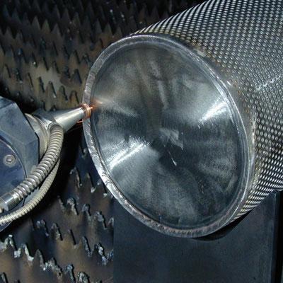 Heraustrennen eines Filterbodens - Kombination Rohrbearbeitung und 3D