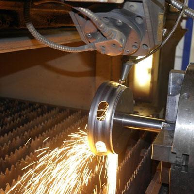 3D-Laserschneiden mit Rotation