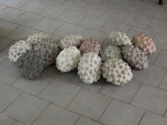 Ovarium, 2014, Betonguss, je 36x36x17 cm