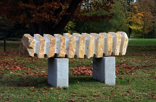 Radiator, 2011, Ibbenbürener Sandstein, 55x225x60 cm