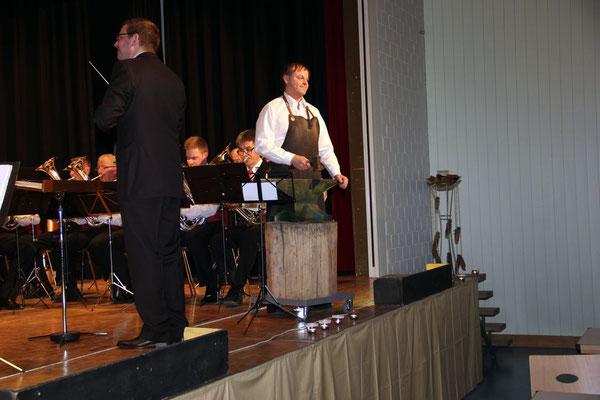 Als Zugabe die Amboss-Polka mit Solist Urs Felber