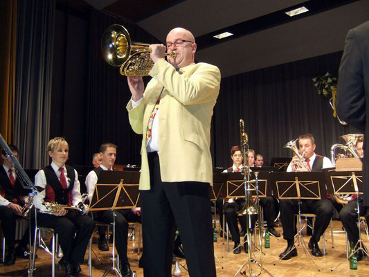 Gastsolist Armin Bachmann am Bass-Flügelhorn