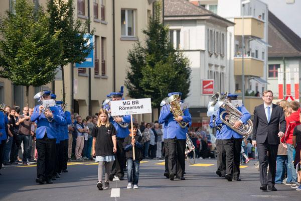 Die MG Römerswil bei der Marschmusikparade