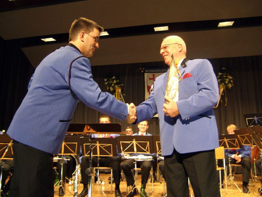 Gratulation dem Kantonalen Ehrenveteranen Jakob Hodel